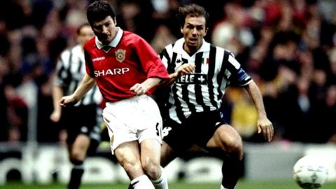 Dennis Irwin and Antonio Conte, Champions League semi-final 1999