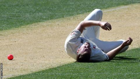 Ashes 2017-18: England's Jake Ball injures ankle in warm-up match