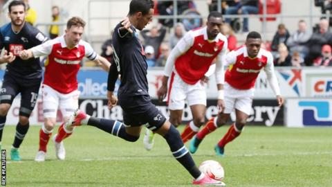 Tom Ince scores for Derby County