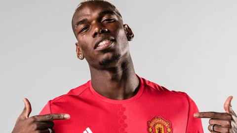 Paul Pogba signs for Manchester United