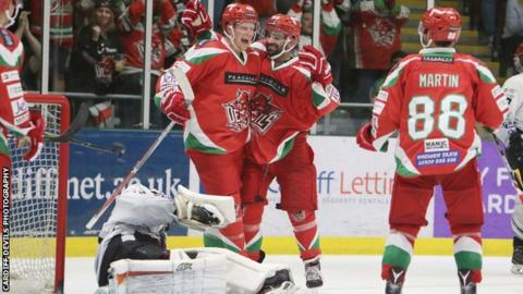 Cardiff Devils held their nerve to edge the penalty shootout against Nottingham Panthers