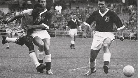 Pele playing in the 1958 World Cup against the USSR