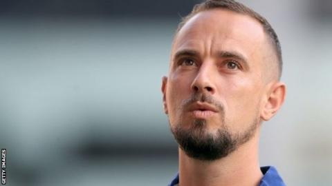 Mark Sampson: FA apologises over remarks to Eniola Aluko & Drew Spence