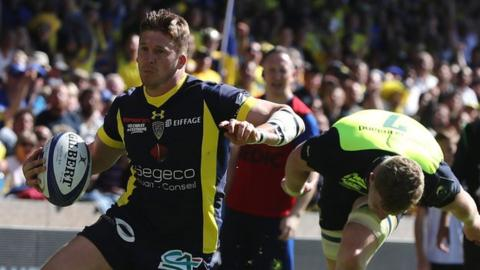 David Strettle scores for Clermont