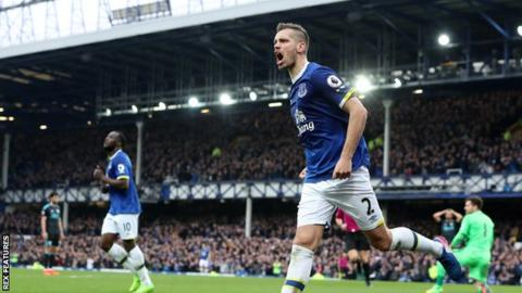 Morgan Schneiderlin celebrates after scoring Everton's second goal against West Brom