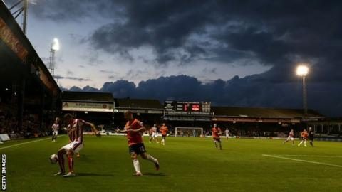 Stoke City were making their first visit to Kenilworth Road in nine years