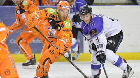 Braehead Clan took victory in overtime against Sheffield Steelers on Saturday to clinch a four-point weekend