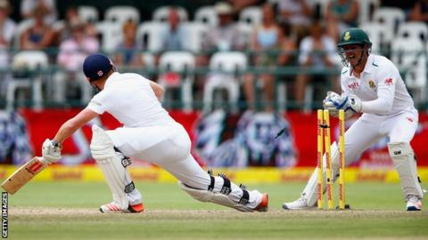 Jonny Bairstow survives a stumping