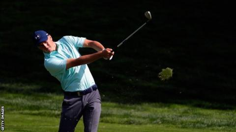 Johnson beats Spieth in playoff at Northern Trust