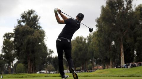 Vegas ties lead as Spieth makes moves at rainy Riviera