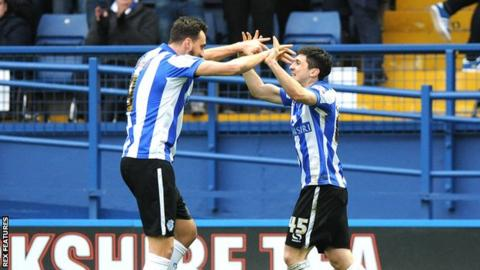 Fernando Forestieri (right)'s goal helped keep Wednesday's play-off hopes on track