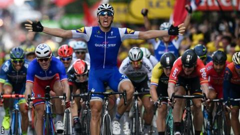 Kittel wins Tour stage, Froome 'fine' after crashing