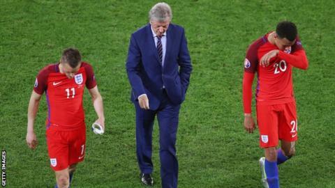 England's Jamie Vardy, manager Roy Hodgson and Dele Alli