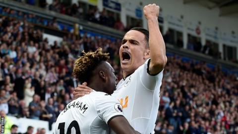 League Cup: Swansea City vs Manchester United preview