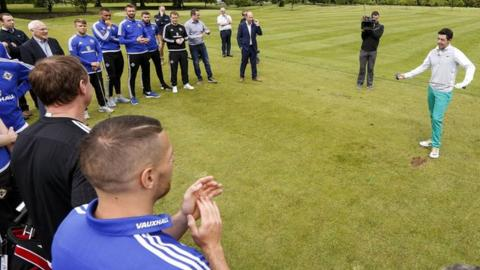 Rory McIlroy gave golfing tips to the Northern Ireland squad last month