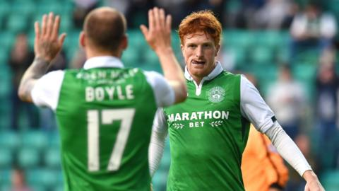 Simon Murray scored three goals in a comfortable win for Hibs