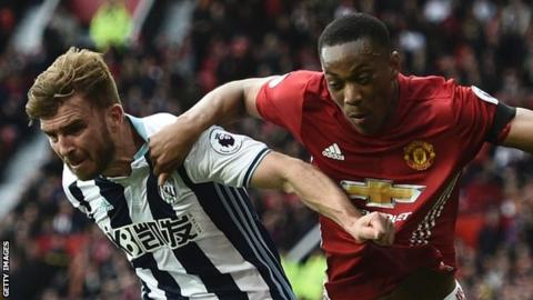 Anthony Martial (right)