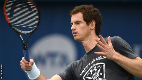 Andy Murray practising at the Dubai Tennis Championships
