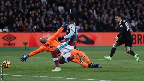 Eden Hazard scores against West Ham