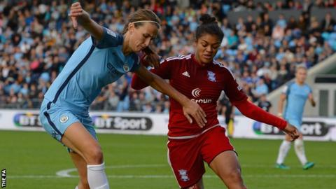 Lloyd wins 1st winner's medal with Man City Women