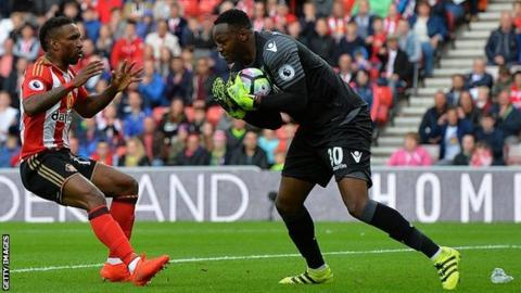 Steve Mandanda rejoins Marseille from Crystal Palace