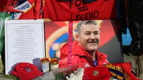 Tribute to Anthony Foley