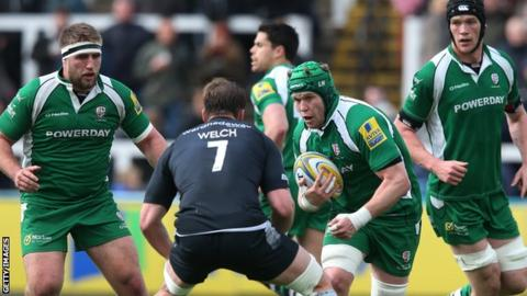 Luke Narraway (centre) of London Irish