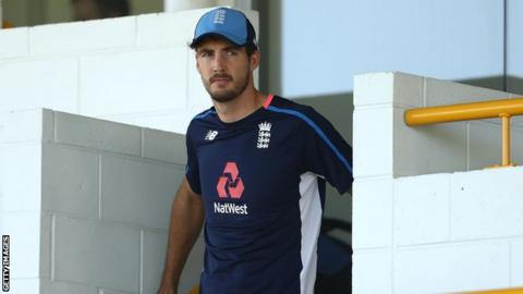 England's Finn ruled out of Ashes series with knee injury