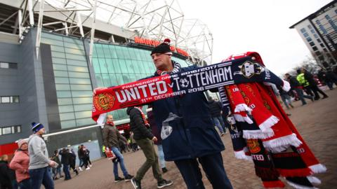 Manchester United scarves