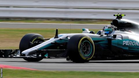 Bottas beats Hamilton in British GP first practice