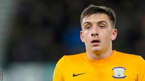 Preston striker Jordan Hugill 'hands in transfer request'