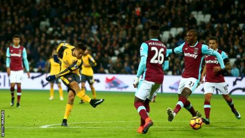 Mesut Ozil hailed by Theo Walcott after West Ham win