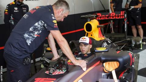 Gasly to replace Kvyat for Toro Rosso at Malaysian F1 meet