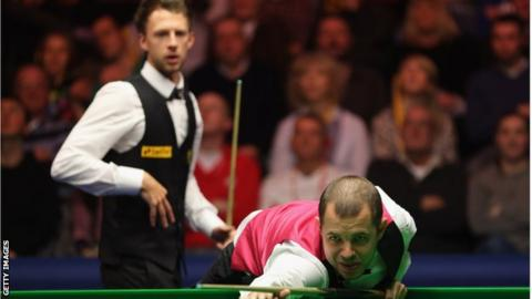 Judd Trump and Barry Hawkins