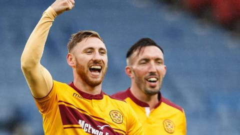 Motherwell take on Morton at Fir Park