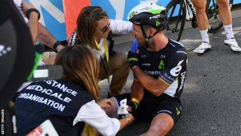 Peter Sagan disqualified from Tour de France after elbow on Mark Cavendish