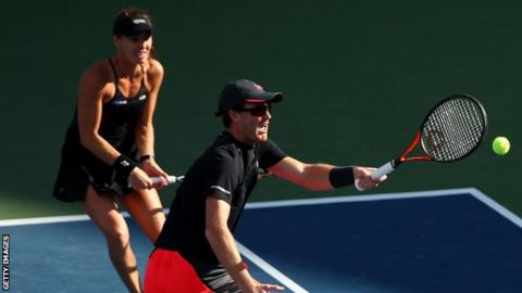 Murray and Hingis seal memorable US Open mixed doubles triumph