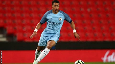 Lukas Nmecha sends England into the European U19 Championships final