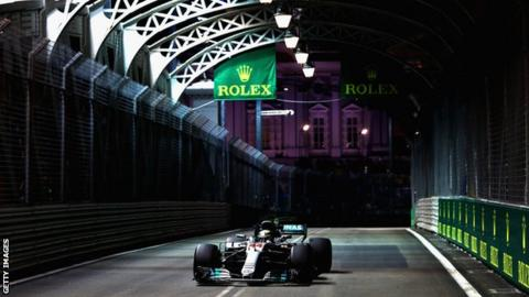 Singapore Grand Prix: Lewis Hamilton needs 'a miracle' from fifth on grid