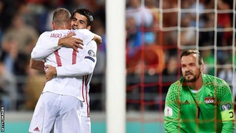 Iago Aspas and Alvaro Morata celebrate