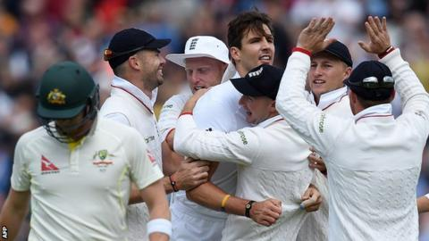 England celebrate a wicket for Steven Finn