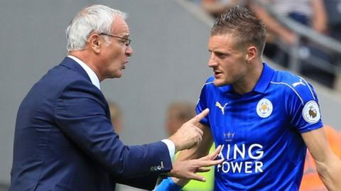 Claudio Ranieri (left) and Leicester striker Jamie Vardy