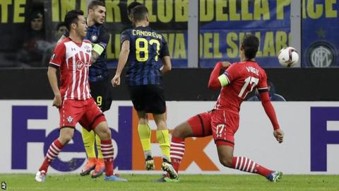 Antonio Candreva scores his first goal for Inter Milan