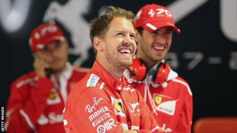 Vettel turns on the style to snatch Singapore pole