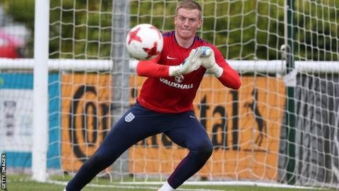 Everton's Jordan Pickford pulls out of England squad with muscle injury