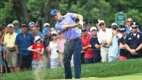 Spieth leads by 1 midway through 2nd round at Travelers
