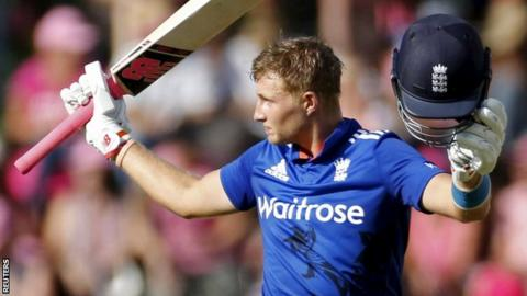 Joe Root acknowledges his century