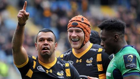 Kurtley Beale celebrates scoring a try on his Wasps debut