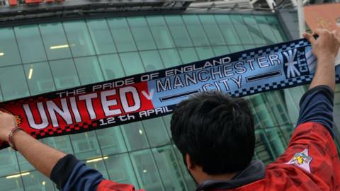 Manchester United and Manchester City scarf