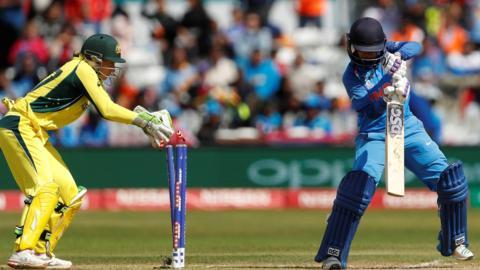 Mithali Raj bowled by Beams'